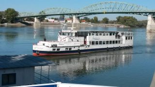 #flashback #msfanny #fannyhajó @esztergom #boatsofbudapest #boatslife #unterwegs #uniqueexcursionsbybear #underway #danube #duna #esztergom #portumlines #hajoznijo
