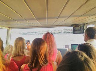 kormanyallas zsufolt hely / cockpit is a busy place #fannyhajó #portumlines #boatsofbudapest #boatslife #momentsinbudapest