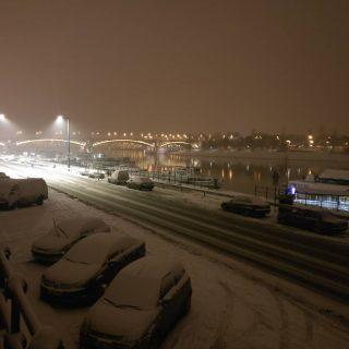 Margit híd hóban, Duna is alszik egy kicsit / Bridge Margaret in snow, the Danube sleeps calm a bit #thisisbudapest #napiduna #hajoznijo #budapestbynight