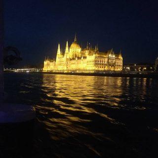 budapest by night from the river #hungarianparliament #momentsinbudapest #hajoznijo #portumlines #msneptun #danuberiver #duna #donau #neptunhajo